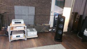 Luxman m900u, TAD E1